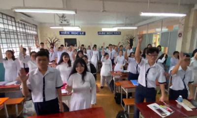 Vietnam teacher make students exercise with viral TikTok dance
