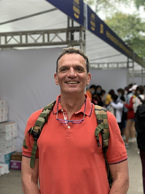 Hanno, a German comes to Hanoi from Sapa to attend the marathon. Photo by VnExpress/Hoang Nguyen.