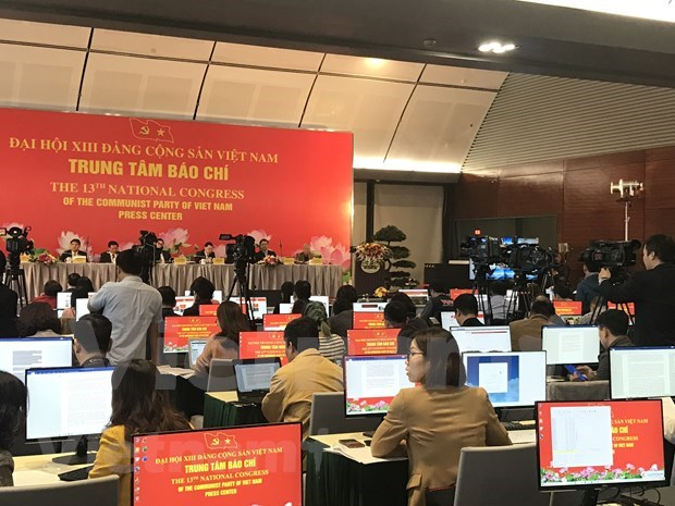 More than 200 media outlets to cover 13th National Party Congress at the scene hinh anh 6