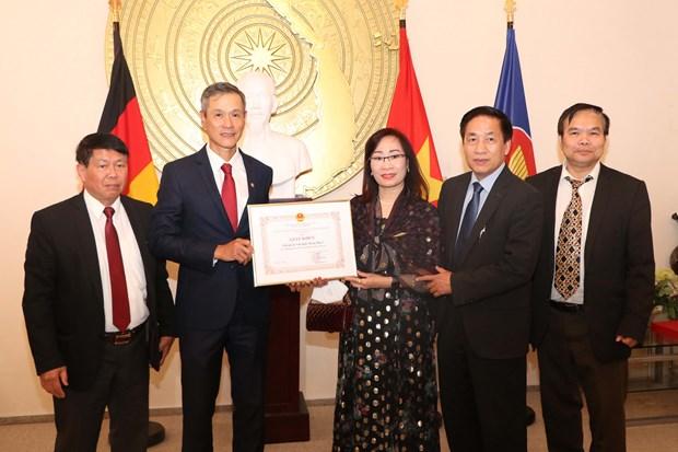 Outstanding overseas Vietnamese in Germany honoured hinh anh 1